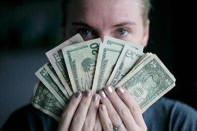 お金持ちの女性が多い職業は?今から始めて年収1,000万以上稼げる仕事も